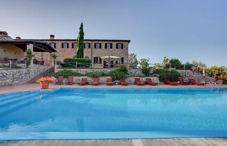 Rustico panoramico con piscina