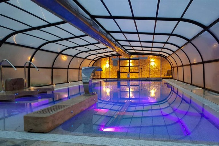 Piscina e wellness in resort toscano