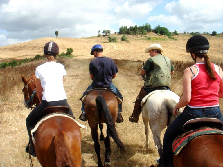 A cavallo per la toscana