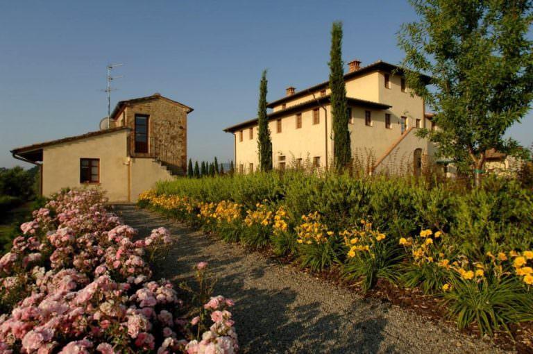 Giardini in tenuta vinicola toscana