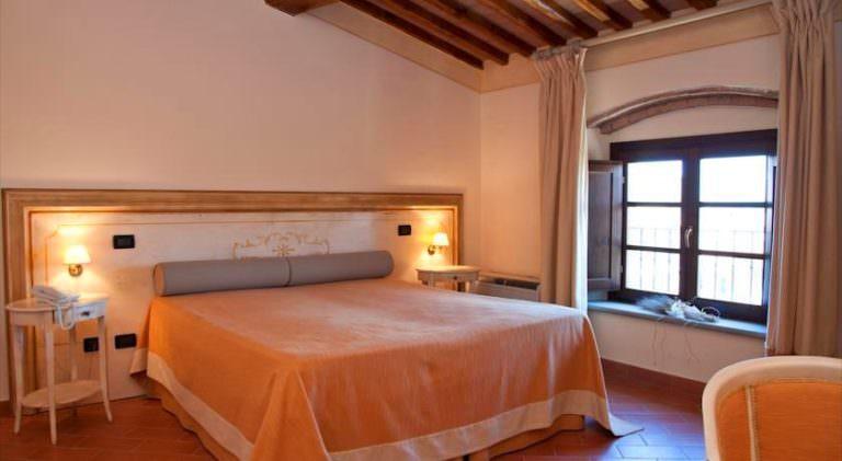Belle camere in hotel familiare vicino Lajatico
