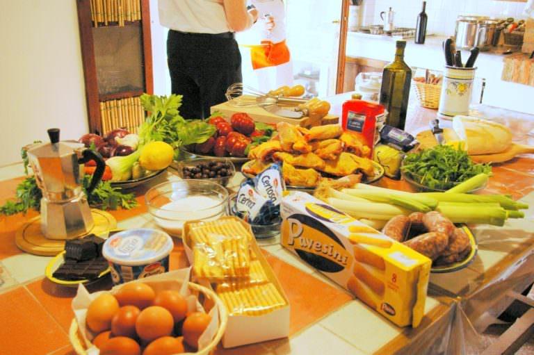 Tutti gli ingredienti esposti prima di cucinare