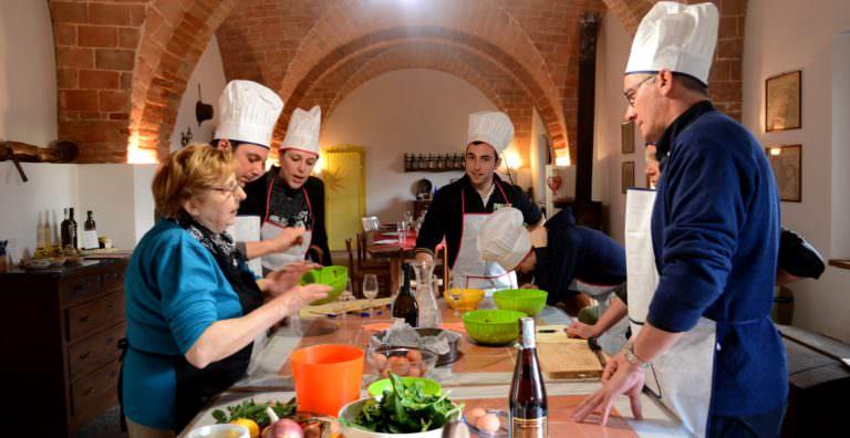 Corsi di cucina informali e divertenti