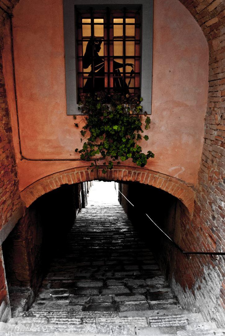 Peccioli, tra Pisa e Volterra