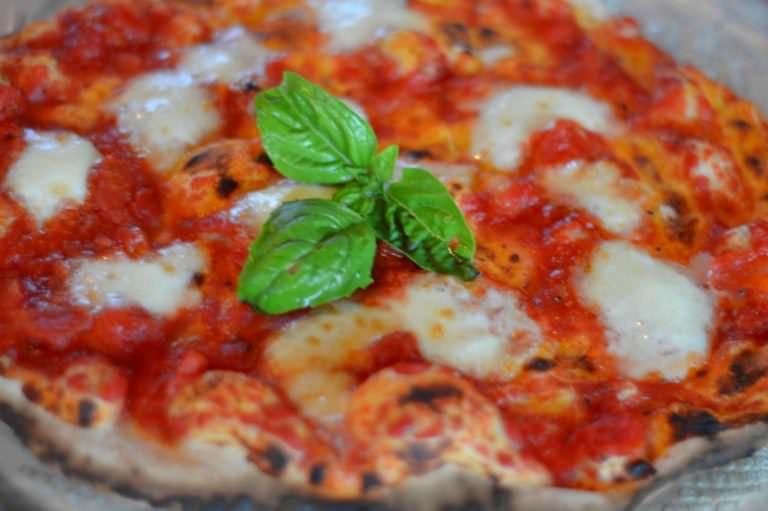 Imparare a infornare la pizza