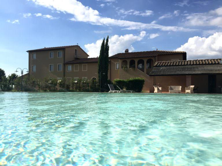 Country hotel con piscina esterna